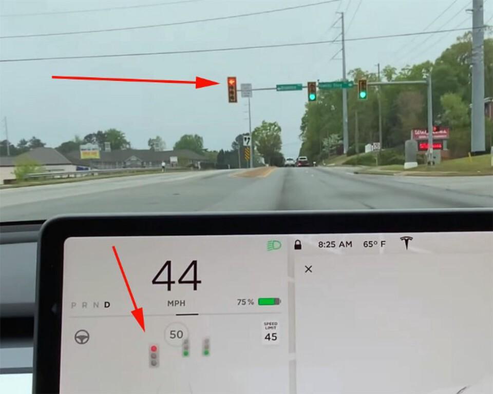 Tesla recognising traffic lights